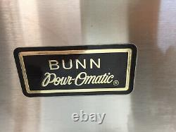 Bunn PourOmatic VPR Commercial Coffee Maker Pour Over Brewer Warmer with 2 Carafes